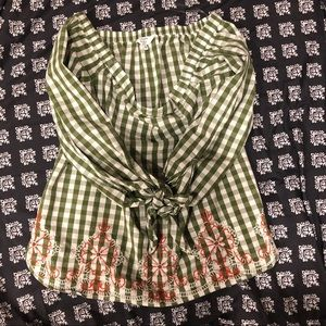 Crown and Ivy Petite Cold Shoulder Top Size M